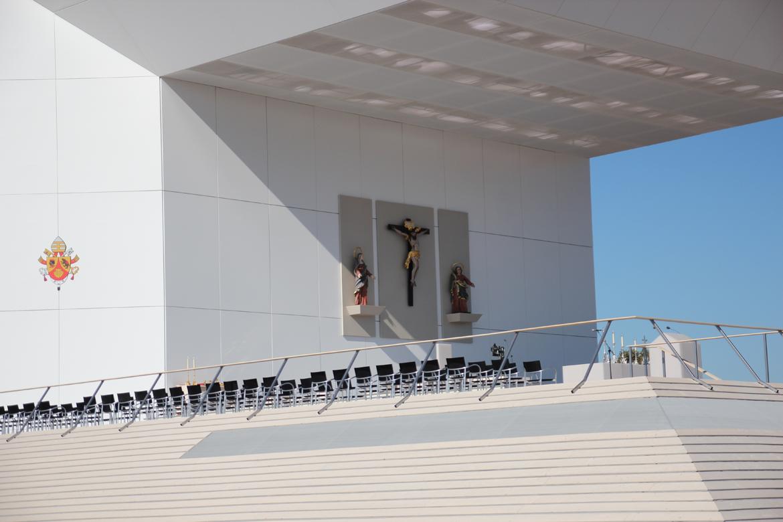 id-aid-ueberdachte-altarinsel-03-1170x780px-idaid